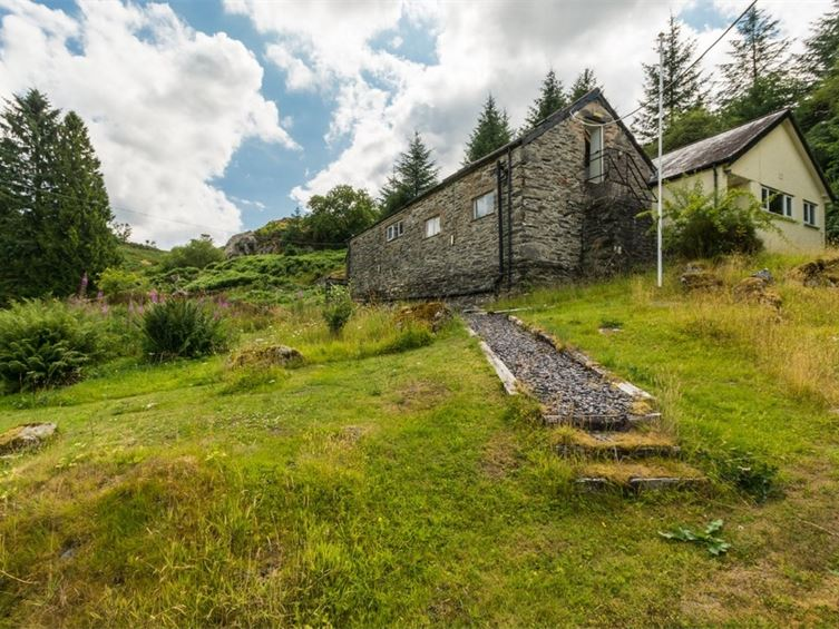 snowdonia bunkhouse for sale